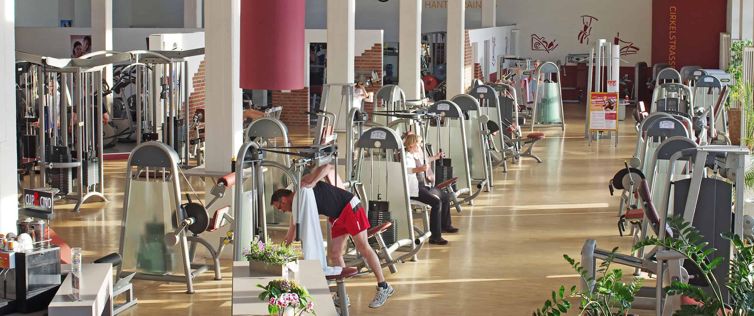 Blick in den Trainingsbereich der Fitness Galerie